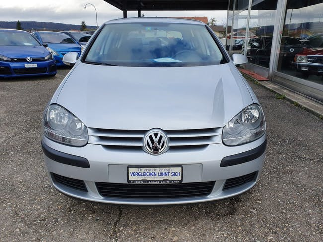 saloon VW Golf 1.6 FSI Trendline