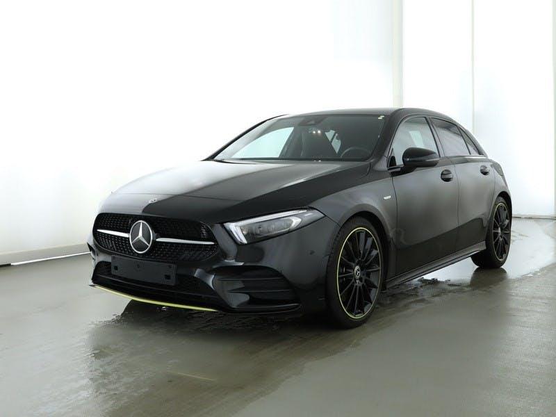 saloon Mercedes-Benz A-Klasse A 250 AMG Line Edition-1 Night-Paket 7G-DCT