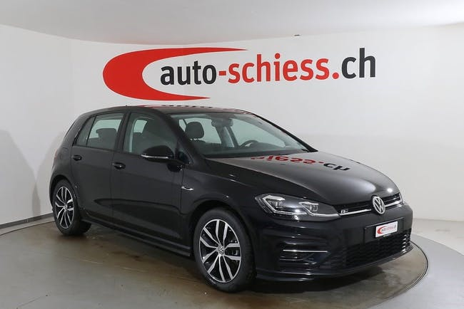 saloon VW Golf 1.5 TSI R-Line