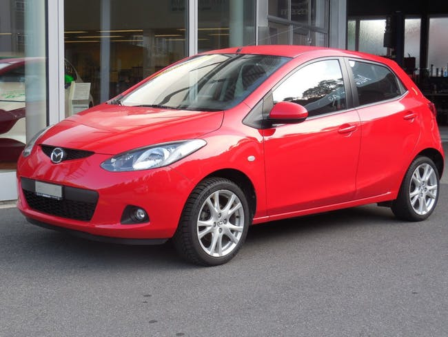 saloon Mazda 2 1.3i 16V Exclusive