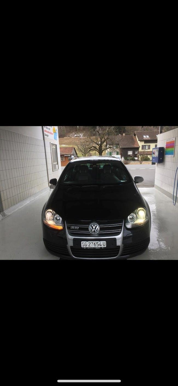saloon VW Golf R32 4Motion