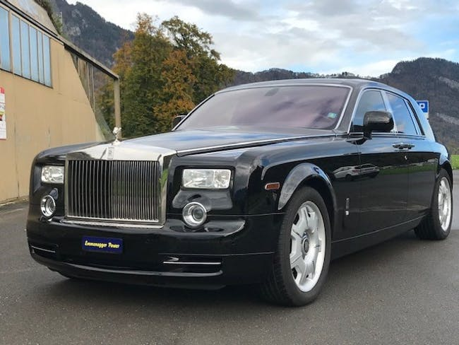 saloon Rolls Royce Phantom 6.7 V12