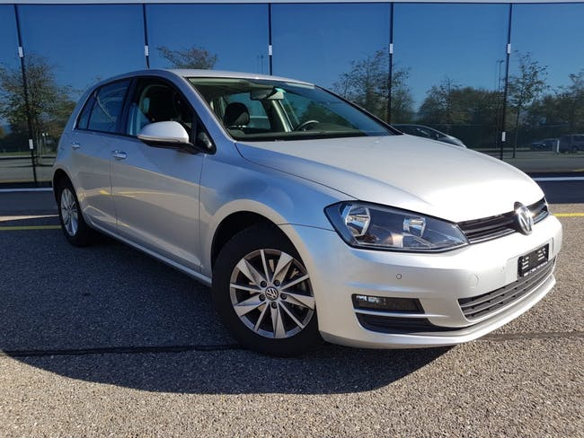 saloon VW Golf 1.6 TDI Trendline DSG