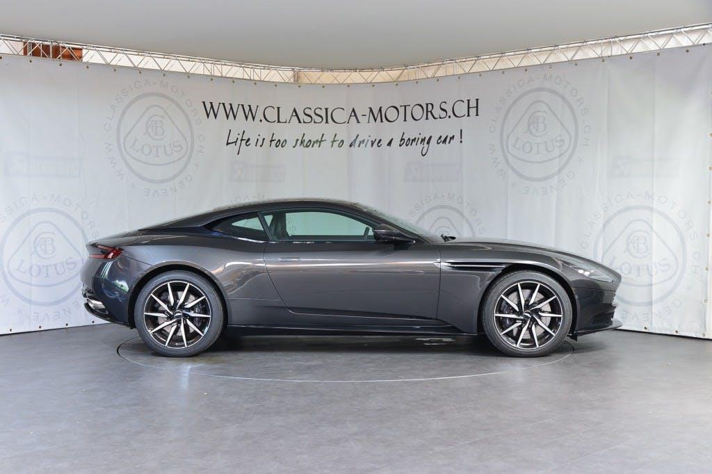 coupe Aston Martin DB11 V8 Touchtronic 3