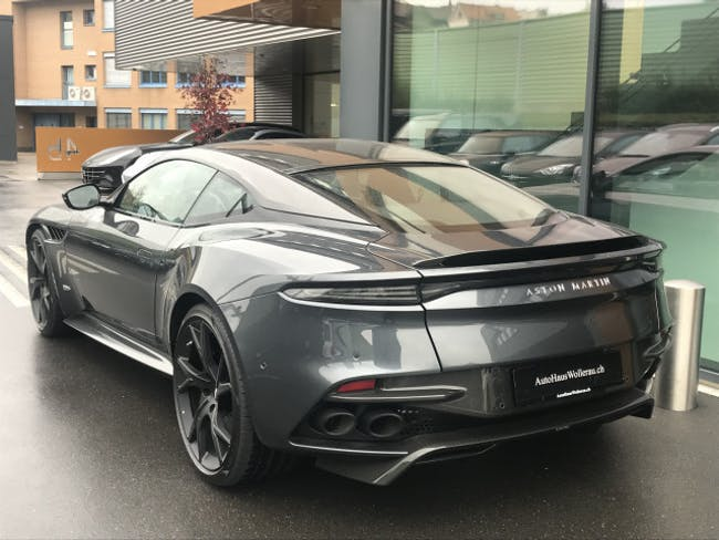 sportscar Aston Martin DBS Superleggera