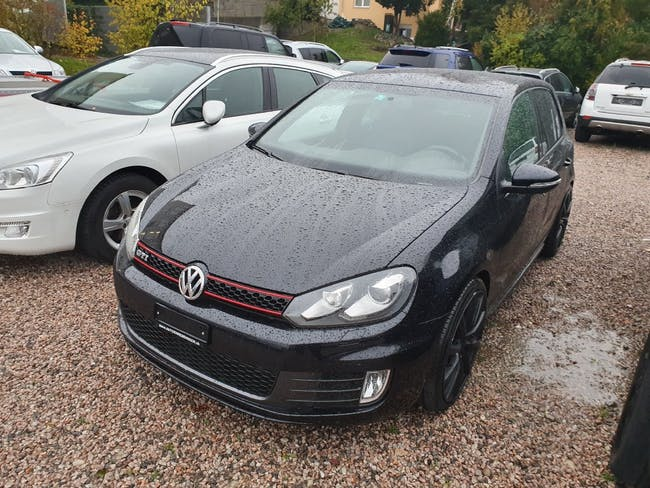 saloon VW Golf 2.0 TSI GTI