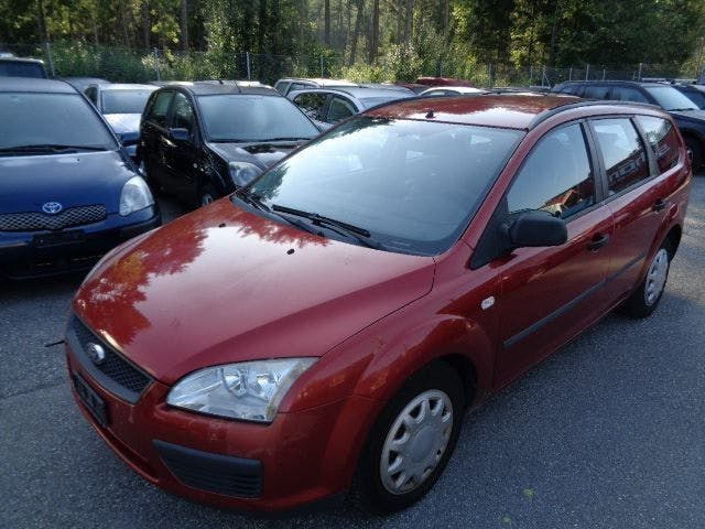 saloon Ford Focus 1.6 TDCi Carving