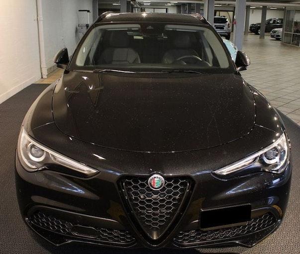 Alfa Romeo Stelvio 2.2 JTDM Super Automatic 1 km 41'500 CHF - acheter sur carforyou.ch - 1