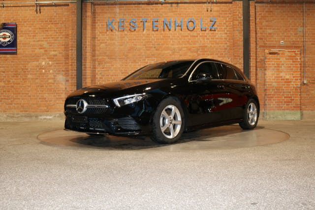 saloon Mercedes-Benz A-Klasse A 180 d AMG Line