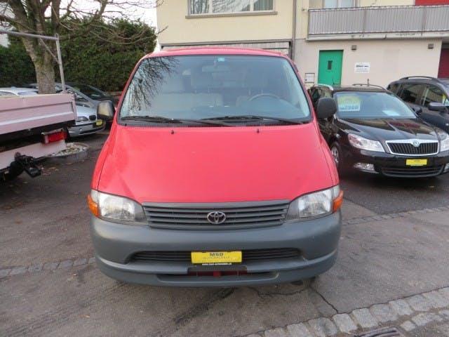 bus Toyota Hiace 2.7 Kombi