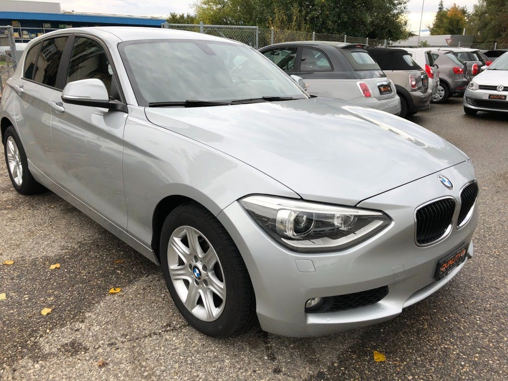 saloon BMW 1er 116i Steptronic