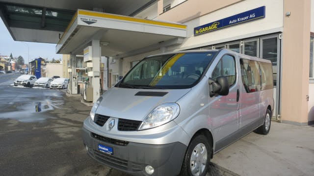 bus Renault Trafic Grand Pass. Auth.