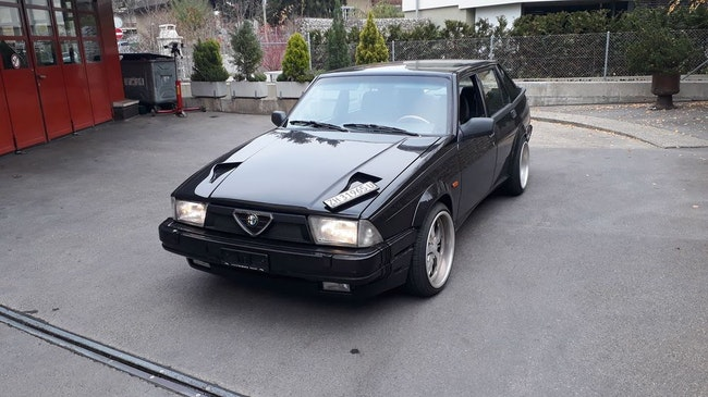 saloon Alfa Romeo 75 3.0 America