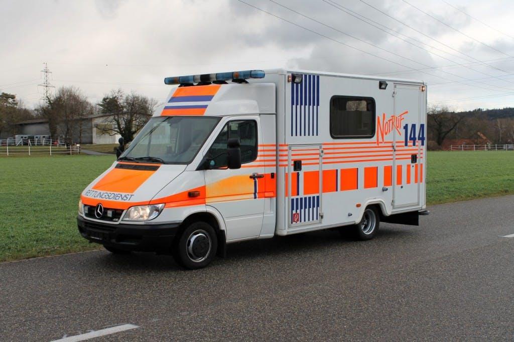 pickup Mercedes-Benz Sprinter 416 CDI Ambulanz Ambulance Rettungswagen