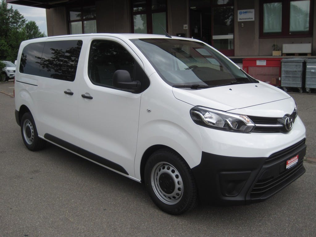 bus Toyota Proace 1.5D Combi L1