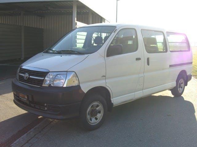 bus Toyota Hiace D-4D Kombi 4WD LWB