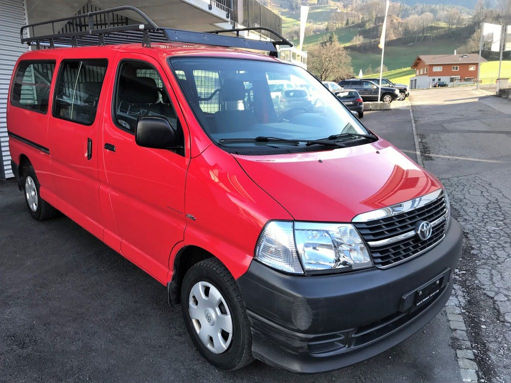 bus Toyota Hiace D-4D Kombi/Werk LWB