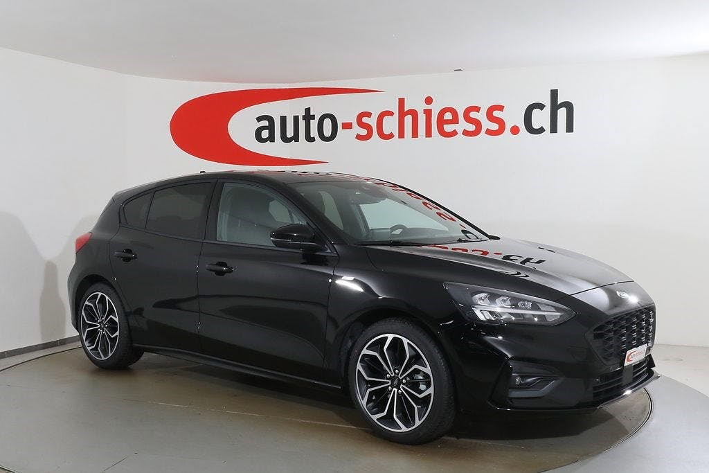 saloon Ford Focus 1.5 EcoBoost ST Line