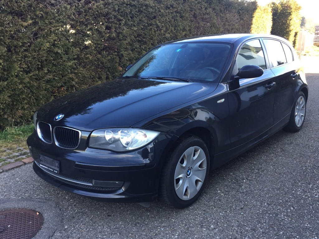 saloon BMW 1er 118i