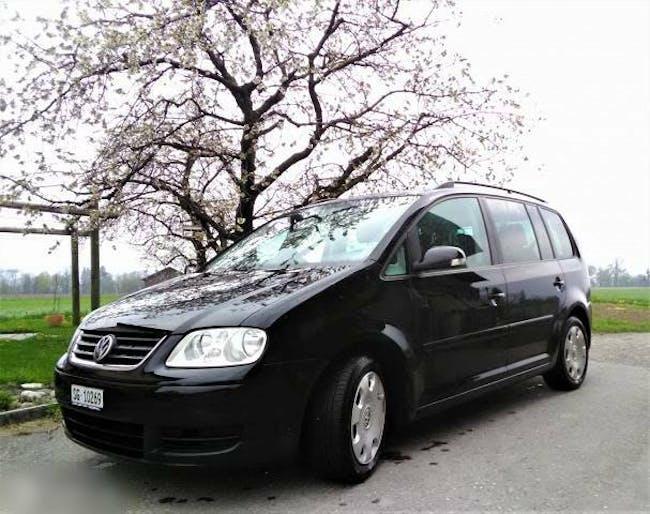 bus VW Touran VW 2.0l / Diesel / Schaltgetriebe / 7 Plätze
