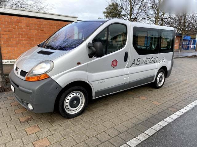 bus Renault Trafic Bus 9 Personen Motorradtransport ab MFK