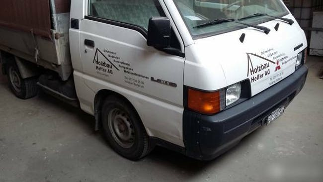 bus Mitsubishi L300 Mitsubishi L300