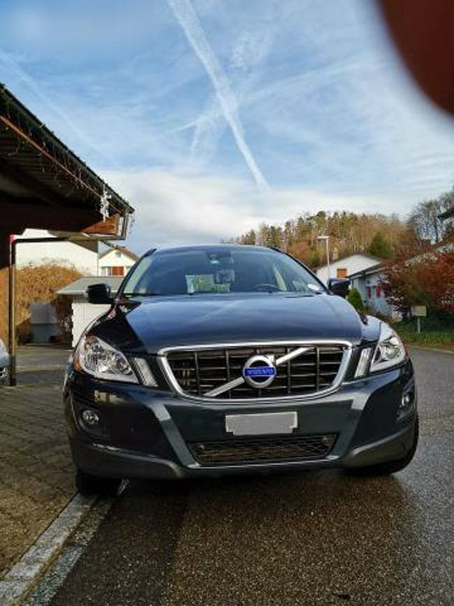 suv Volvo XC60 VOLVO 2.4D AWD Kinetic