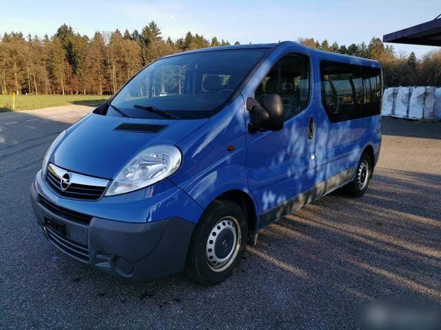 bus Opel Vivaro opel 2.5. Liter frisch ab MFK
