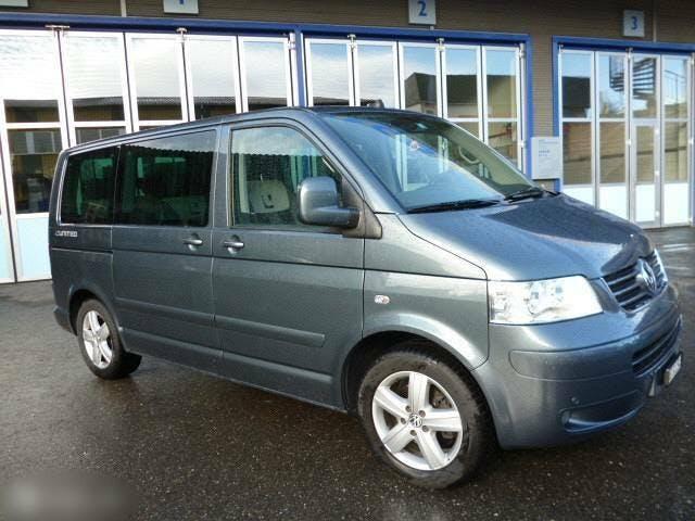 bus VW T5 VW Multivan 2.5 Diesel