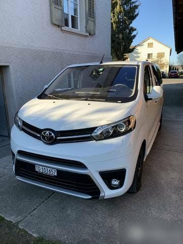 bus Toyota Proace Toyota 8 Plätze wenig Kilometer und Garantie
