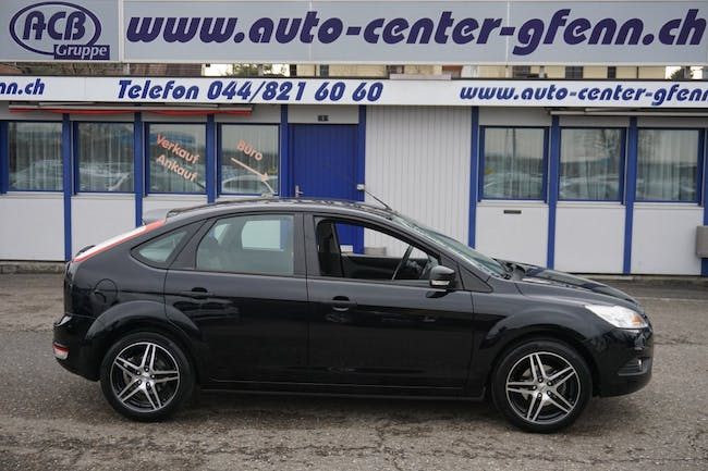 saloon Ford Focus 1.6i VCT Carving