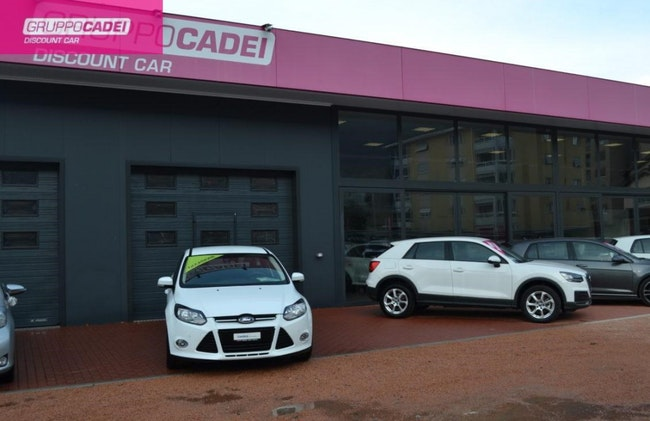 saloon Ford Focus 1.6 SCTi Trend