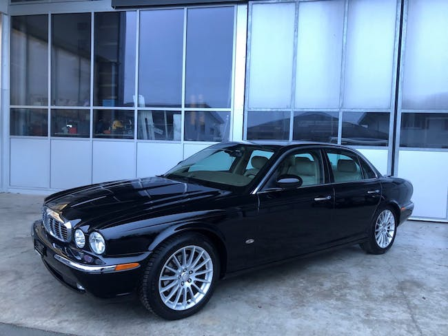 saloon Jaguar XJ 6 2.7d V6 Executive