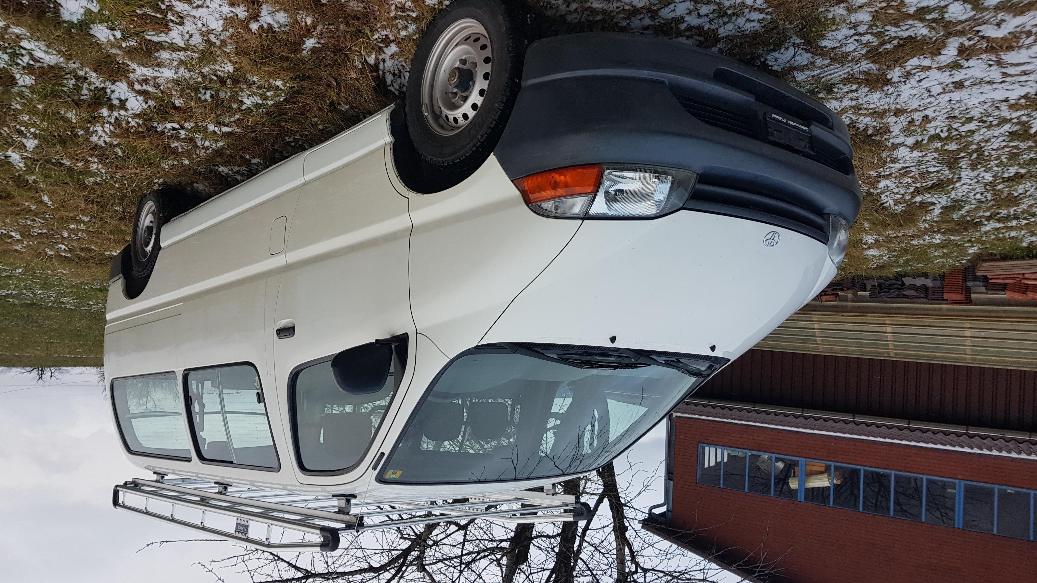bus Toyota Hiace Kombi LWB 2.4 TD 6 P.