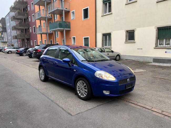 saloon Fiat Punto 1.4 16V Sport