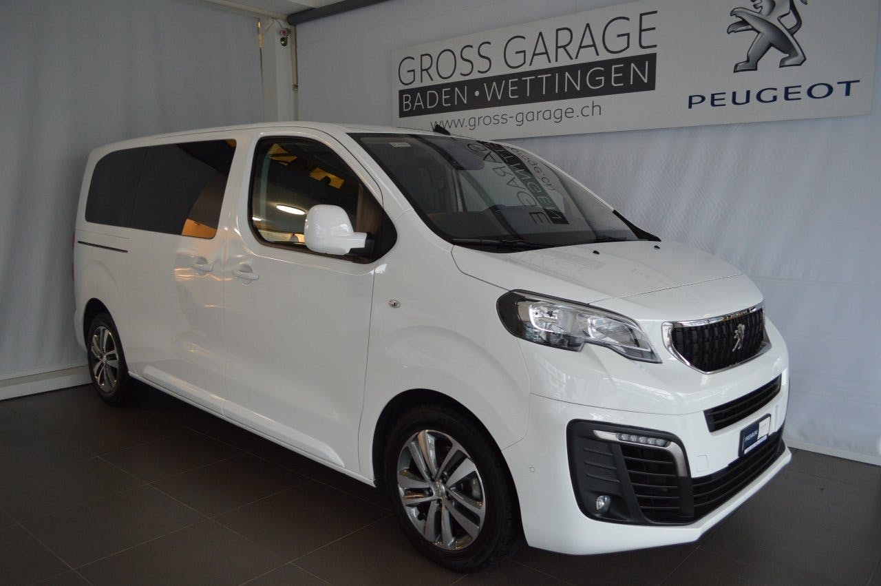 bus Peugeot Expert Traveller Business Stand.