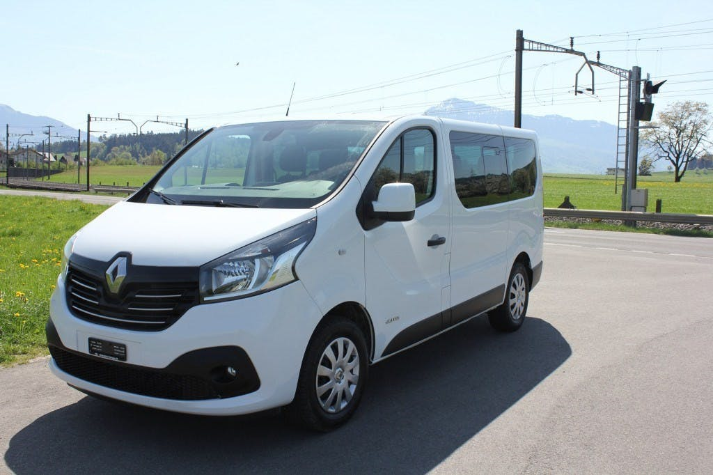 bus Renault Trafic ENERGY dCi 145 Passenger Expression 9 Sitzer