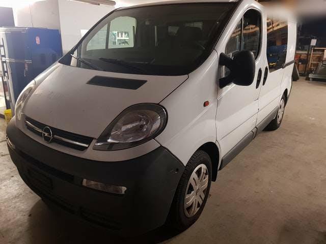 bus Opel Vivaro Diesel 1.9 CDTi ab Platz