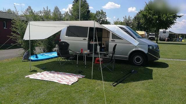 bus VW T5 Camper im Top Zustand