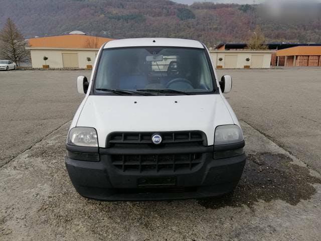 bus Fiat Doblo 1.9 Lt JTD KM 155000 Auto läuft gut