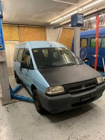 bus Fiat Scudo 2.0 JTD ab platz