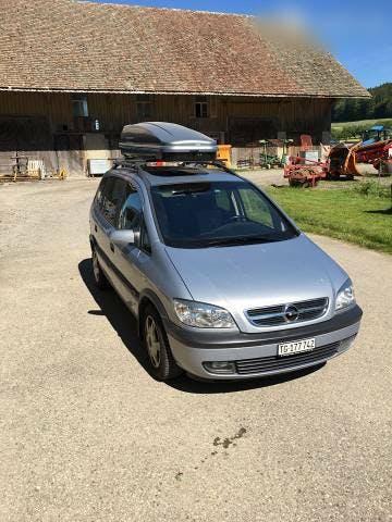 bus Opel Zafira 2.2