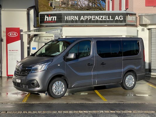bus Renault Trafic Spaceclass