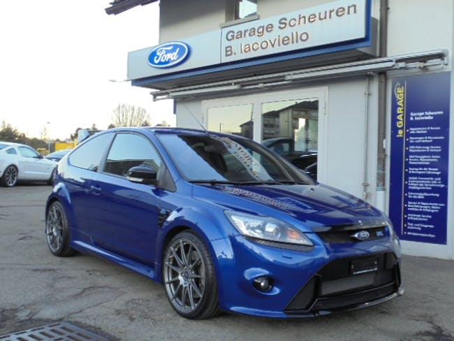 saloon Ford Focus 2.5i Turbo RS