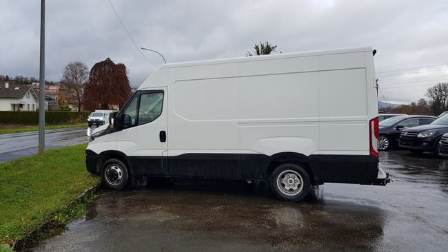 saloon Iveco Daily / Turbo Daily Daily 35 C 21 A8 V