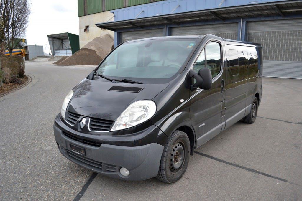 bus Renault Trafic 2.5 dCi L2H1 Grand Passenger Authentique