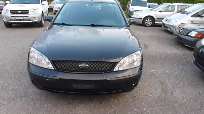 estate Ford Mondeo Kombi 2.5i 24V Trend