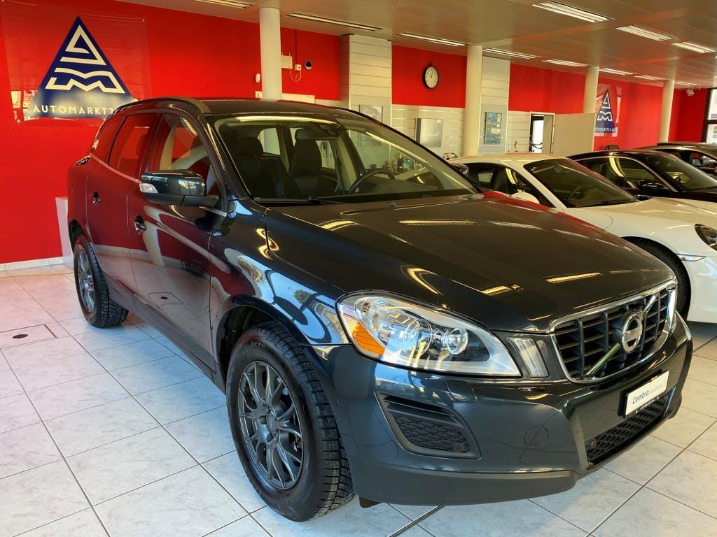 suv Volvo XC60 D3 AWD Momentum Geartronic