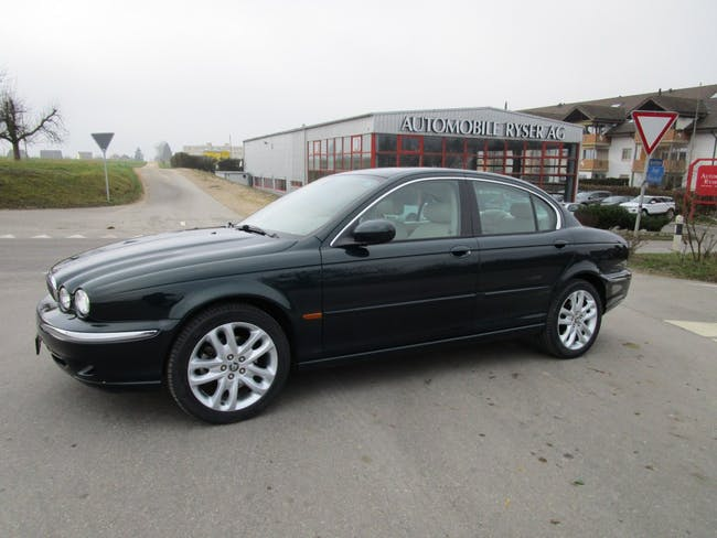 saloon Jaguar X-Type 3.0 V6 Traction4 Executive
