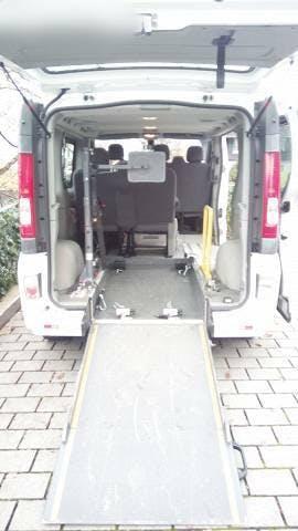 bus Opel Vivaro Vivano 20CDTI Rollstuhlumbau/Behindertengerecht frisch